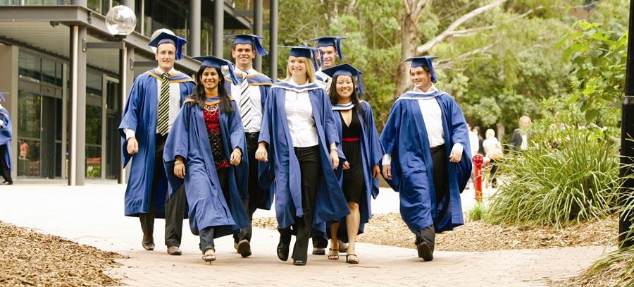 Gruppe graduierter Studenten
